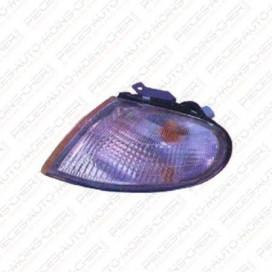 FEU AVANT DROIT BLANC LANTRA 09/95 - 03/98