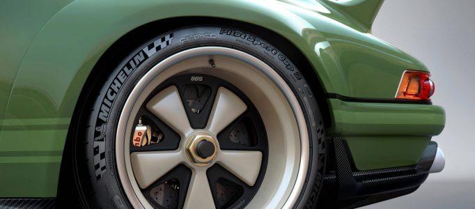 singer-dls-lightweight-porsche-911-restoration (4)